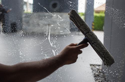 Martin okna, výškové umývanie